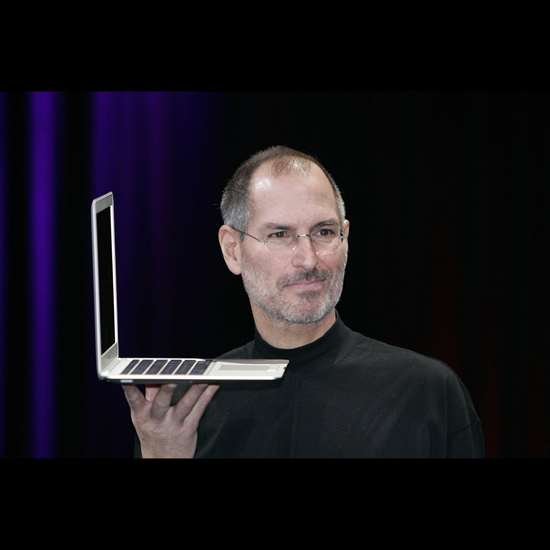 Free Steve Jobs iPad Wallpaper 2
