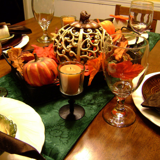 Free Thanksgiving Wallpapers for iPad: Table Decorations 8